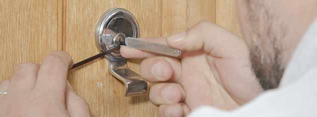 lock opening emergency locksmith